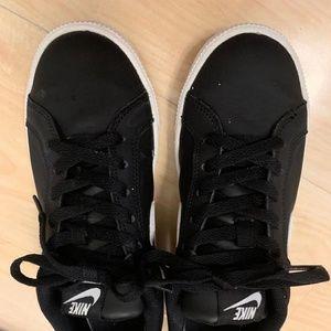 Nike Blazer low, Black and white
